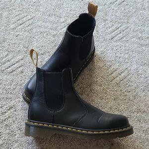 Women Vegan 2876 Dr. Martens Boots in black 8